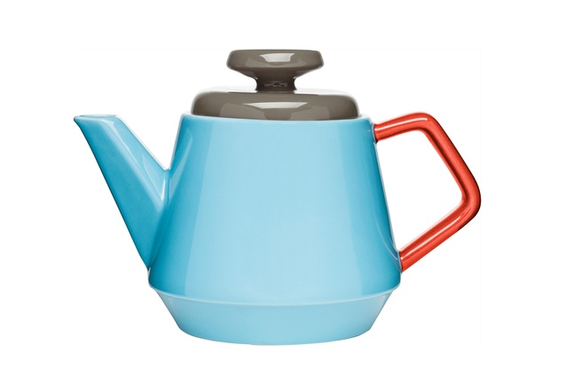 The POP serving pot from Sagaform is perfect for teatime.