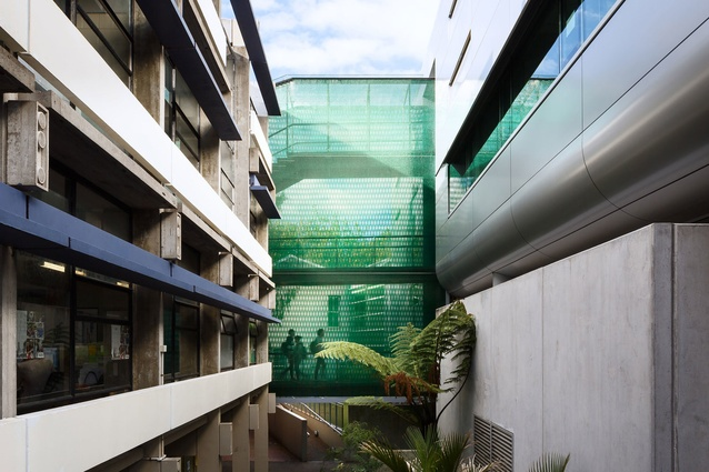 The Kate Edger Building walkway, Auckland University by Architectus. The innovative Kaynemaile polycarbonate mesh is striking while also offering protection from the elements.