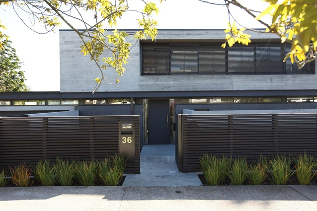 Horizontal House, Remuera by Sumich Chaplin Architects.