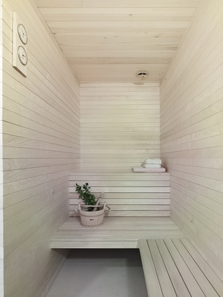 The family can unwind after skiing or trekking in this typical Scandinavian sauna.