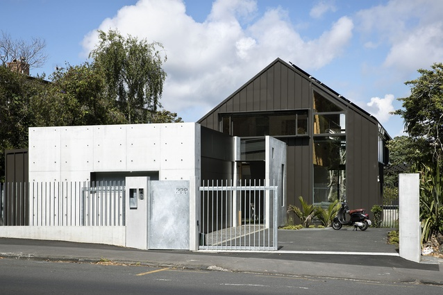 Housing category finalist: 339, Auckland by SGA – Strachan Group Architects.