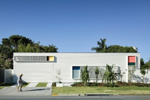 Beachy graphics: Burleigh Street House
