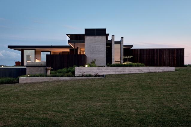 Clients Robyn and Graham Ballard imagined a spacious building, which would respond to the site's unique views.