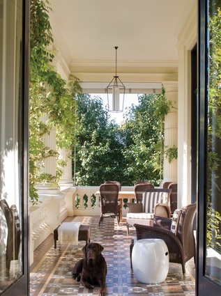 Thomas Hamel designed the interiors of this stately Melbourne home.