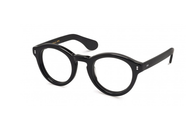 "Look smarter than Le Corb himself in these <a href=""http://www.parkerandco.nz/store/"" target=""_blank""><u>Keppe glasses</u></a> by Moscot."
